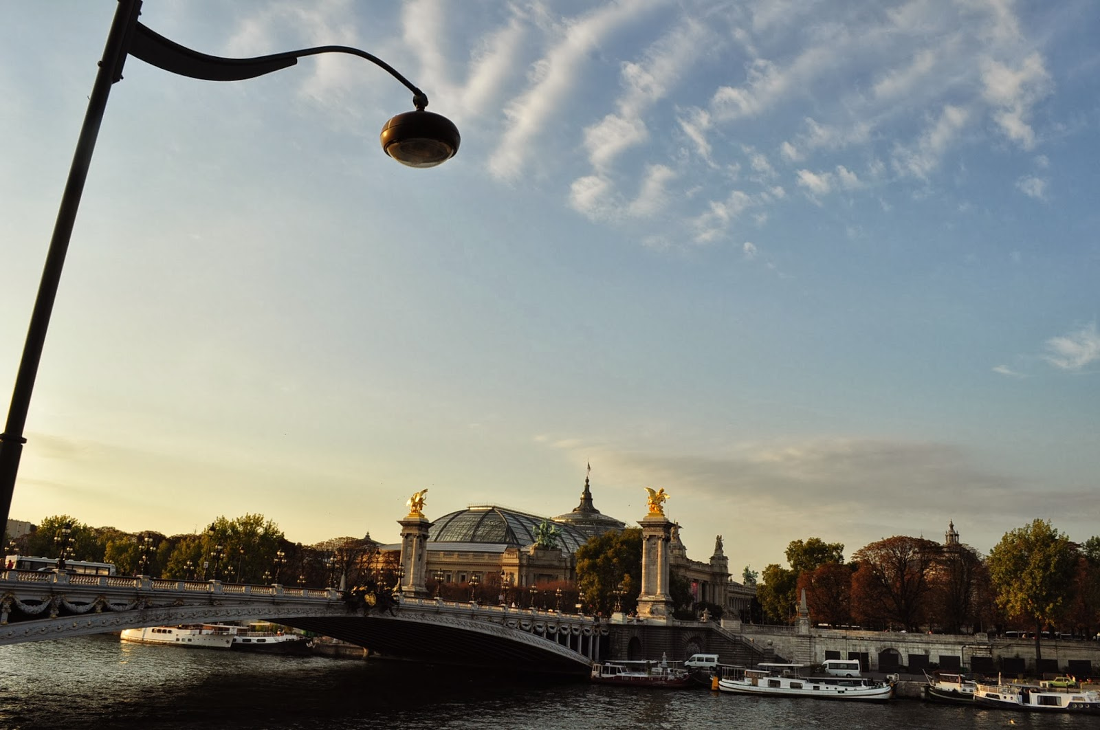 Била съм в този град много пъти и винаги отривам нови и нови ракурси към красивите му сгради, мостове и площади.