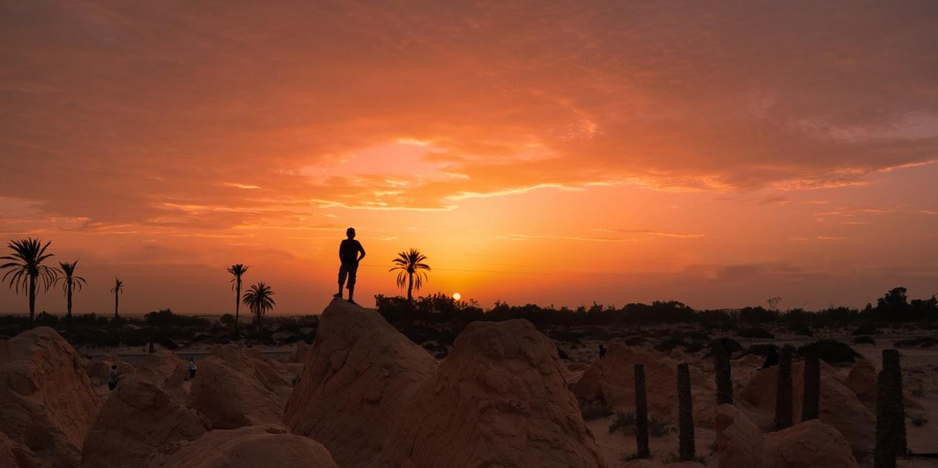 Изгрев над пустинята Сахара, Тунис.