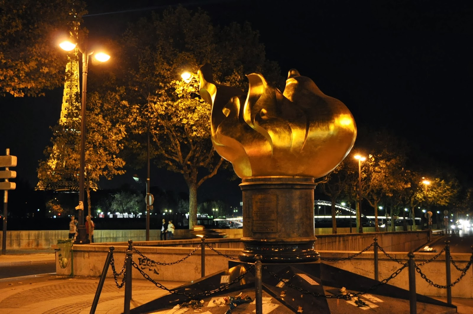 Place de l'Alma с мемориала на принцеса Даяна.
