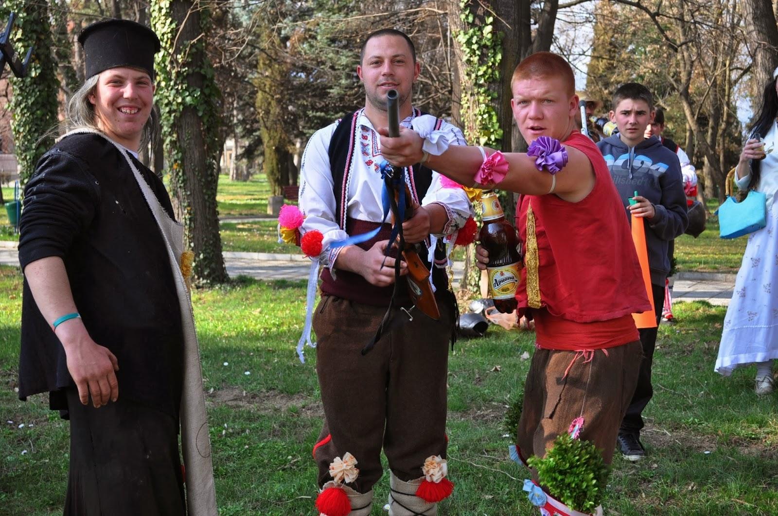 ук всяко село си има кукерска дружина, а ентусиазираните    й членове се готвят цяла година за празника