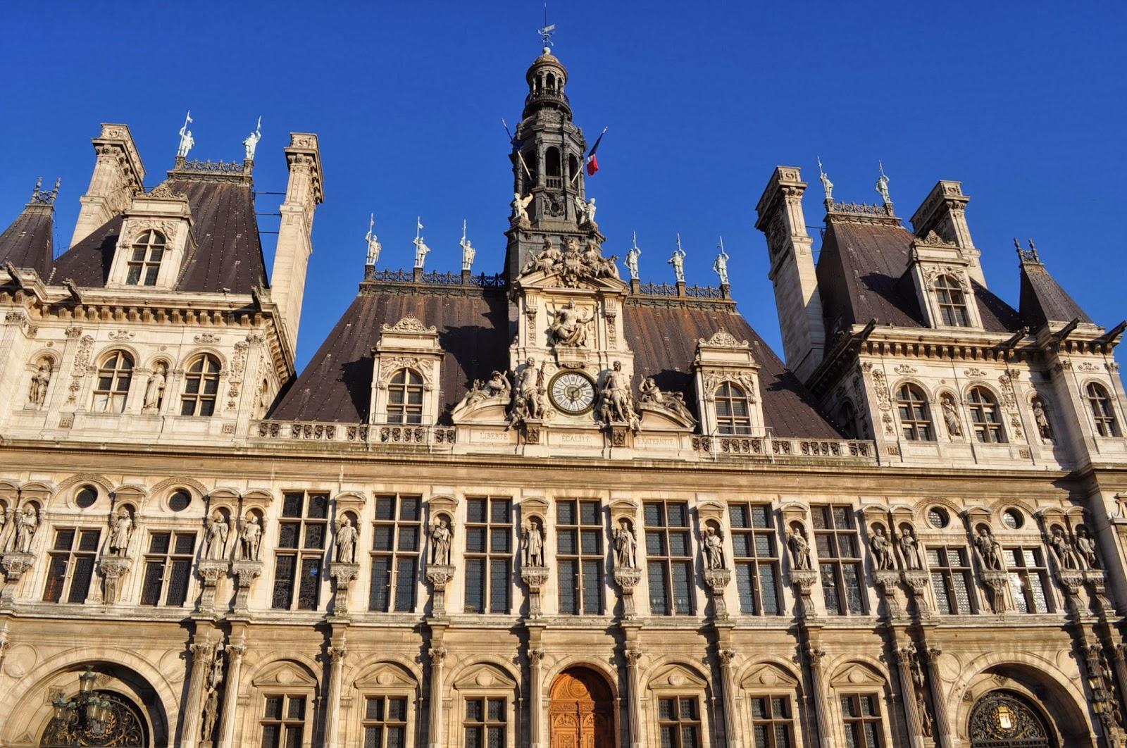 Кметството - една от най-красивите сгради в Париж.