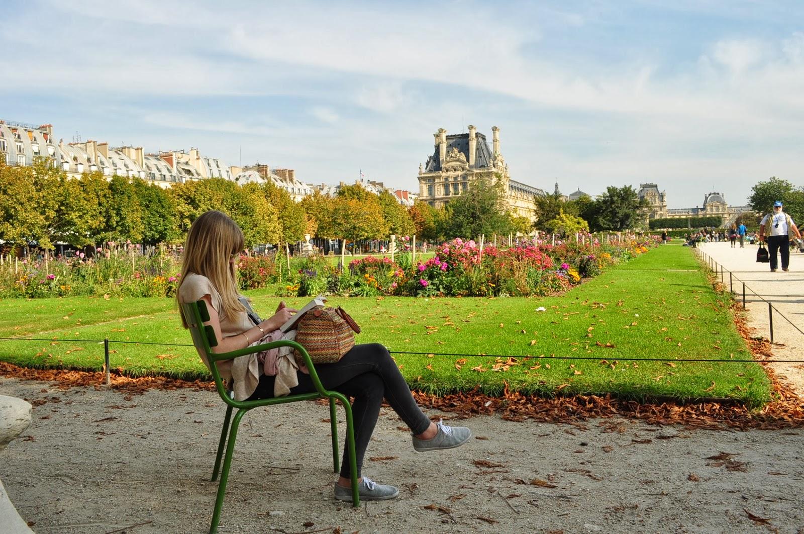 Jardins des Tuileries - най-централният и посещаван парк в Париж, създаден някъде през 16 век.