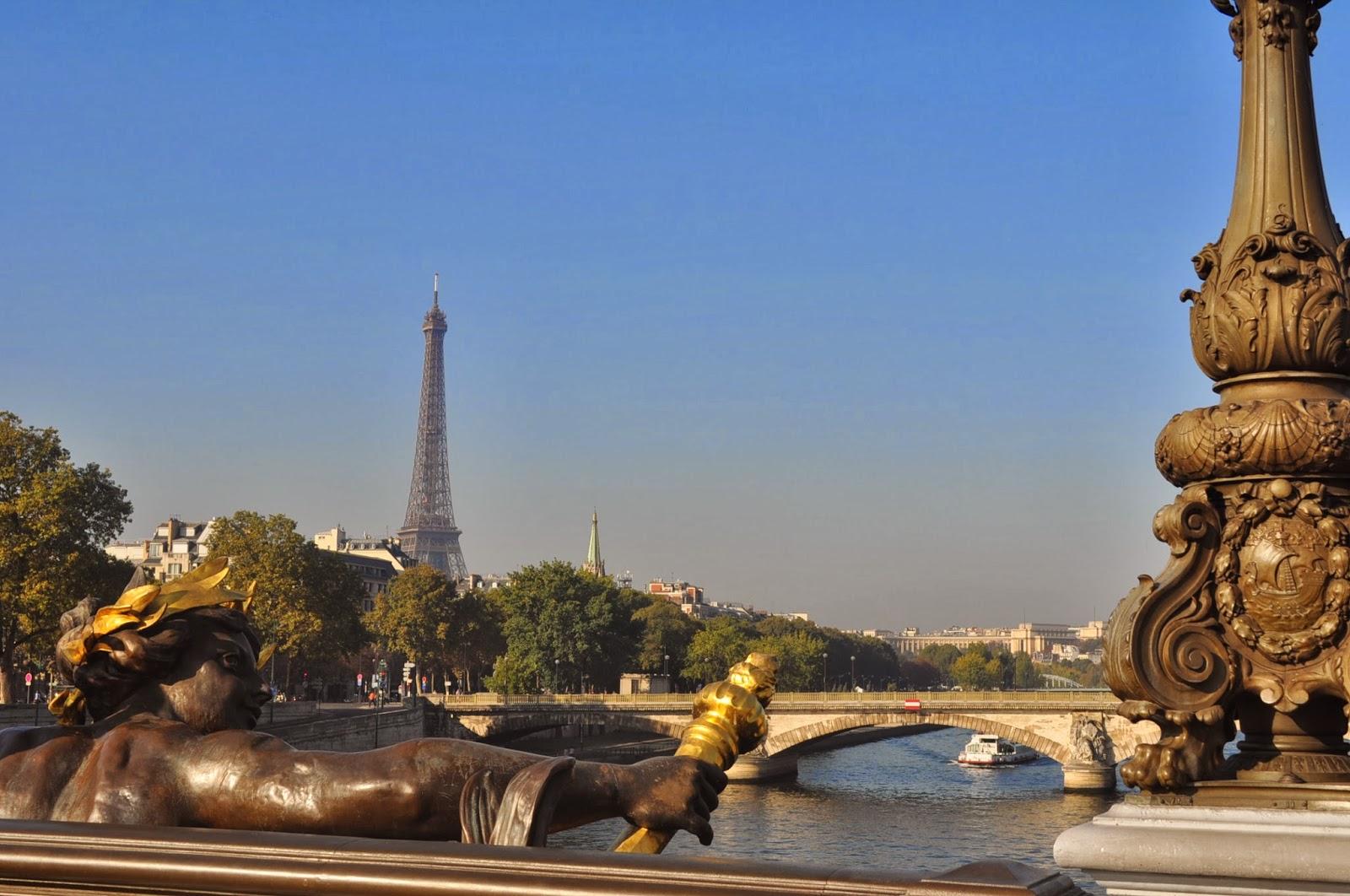 Изглед към реката от моста Александър