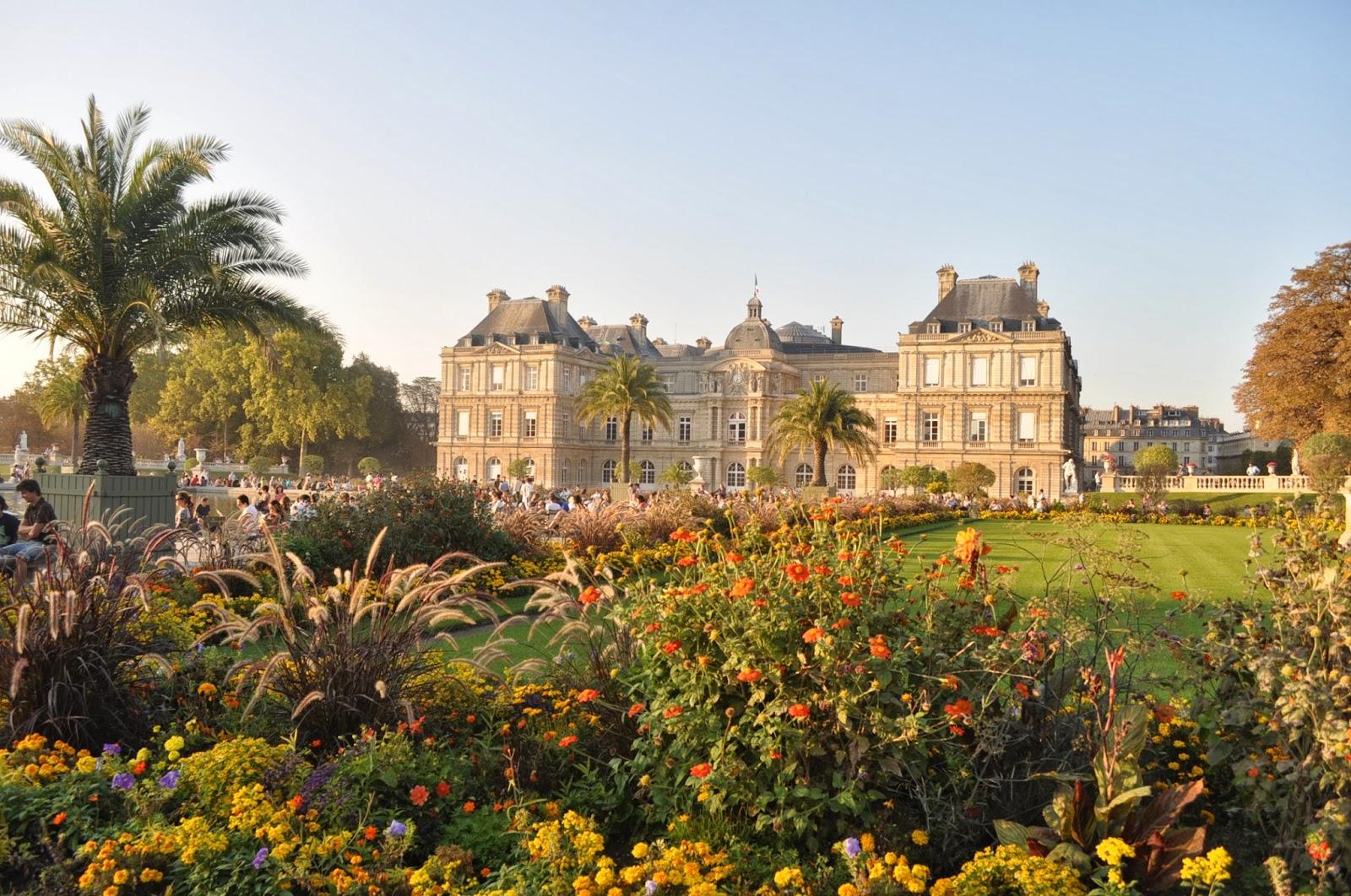 Дворецът на Мария Медичи в Люксембургската градина, построен по модел на флорентинския Palazzo Pitti