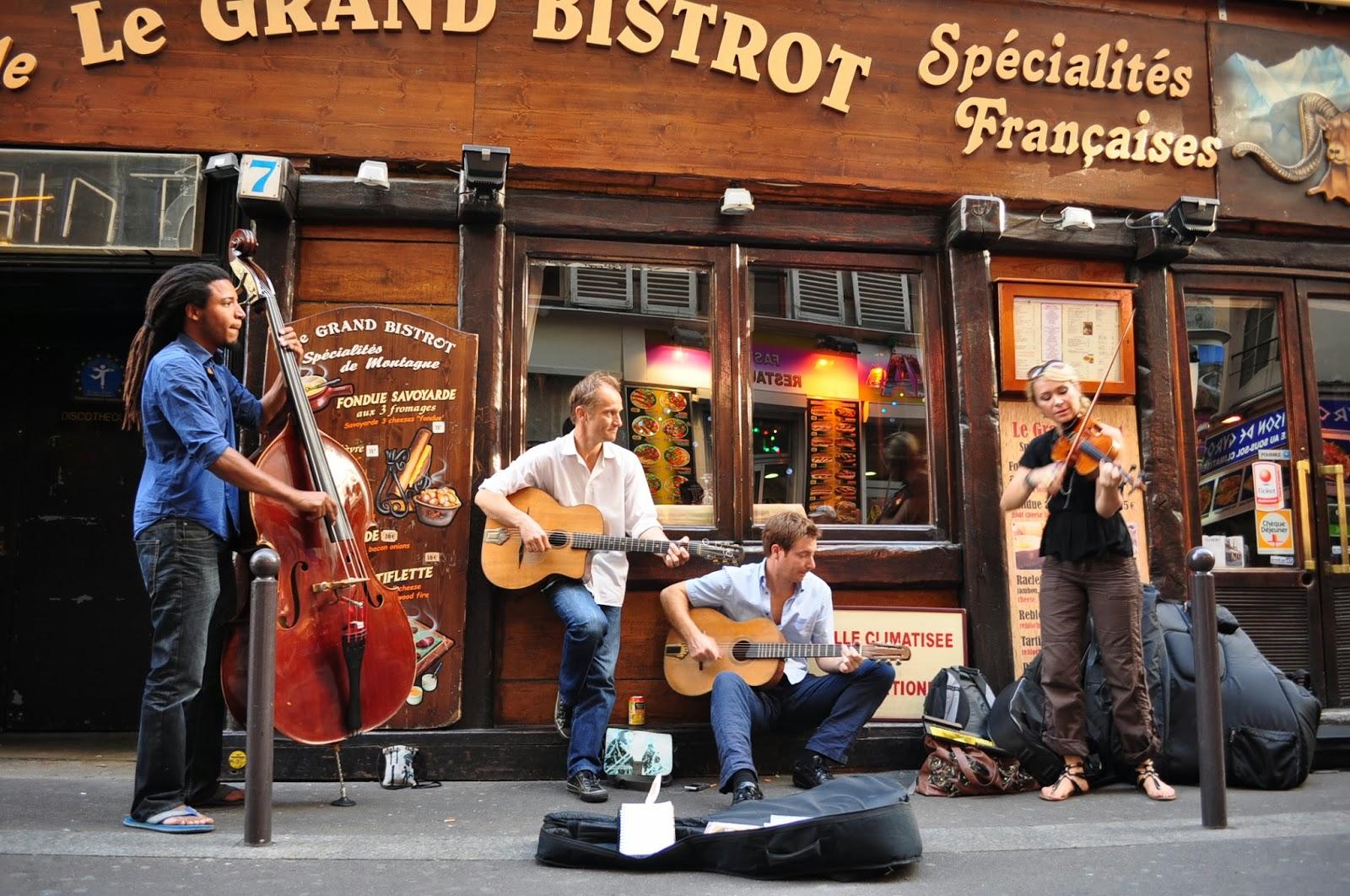 Артистичен дух се носи из Латинския квартал