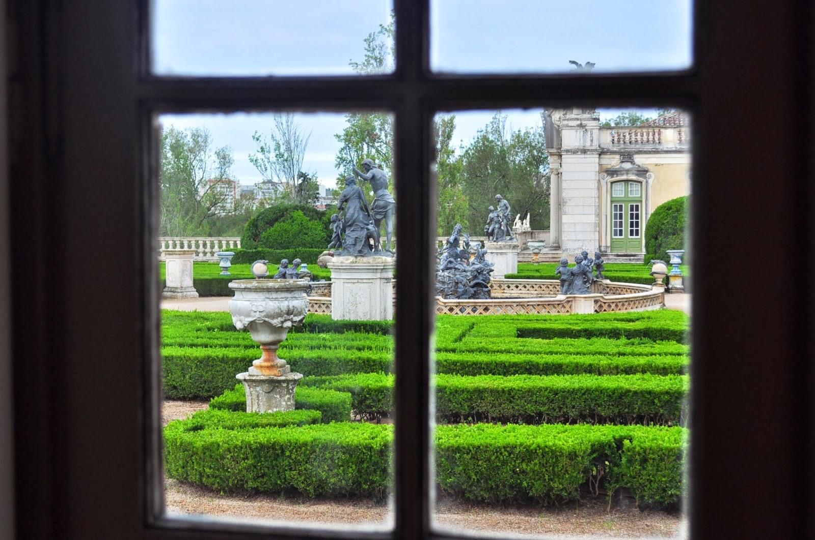 Иначе дворецът в Кейлуж се слави не само с богатствата си, но и с фантастичните си градини!