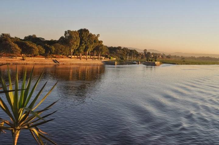 Водата на Нил е гладка и мека ,като коприна