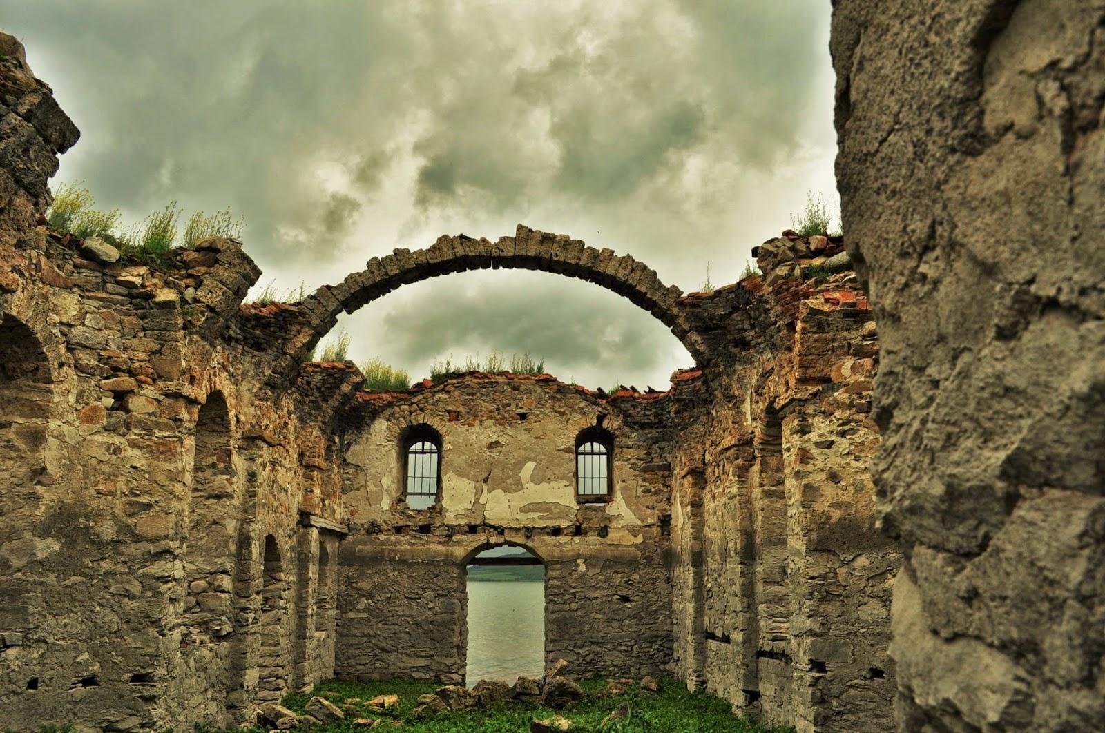 Potopenata Crkva Na Yazovir Zhrebchevo Pteshestviya Bez Kraj