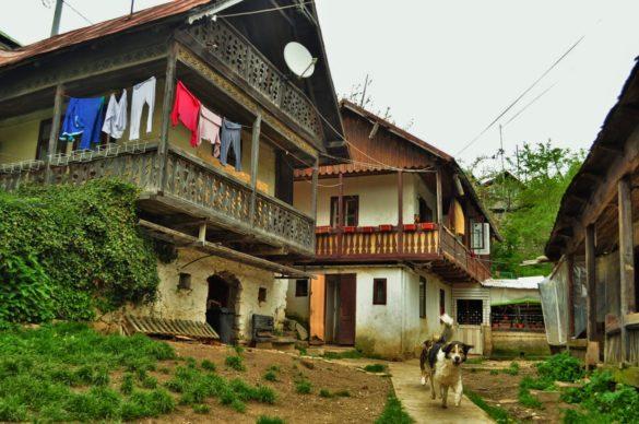 Типични румънски къщурки в курорта Синая. Не видяхме нито една, която да е безстопанствена или рушаща се.