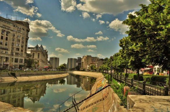 Букурещ си има река Дъмбовица.  Това е втората столица в ЕС с най-силно замърсен въздух след... София.