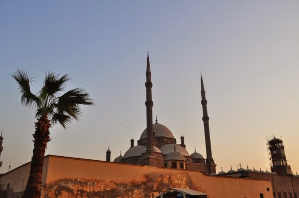 Алабастровата джамия на залез.
