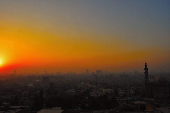 Последните ми часове в Кайро коварно се изнизват, като песъчинки между пръстите,  които напразно искам да задържа.