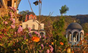 На крачка встрани от суматохата – Гигинския манастир