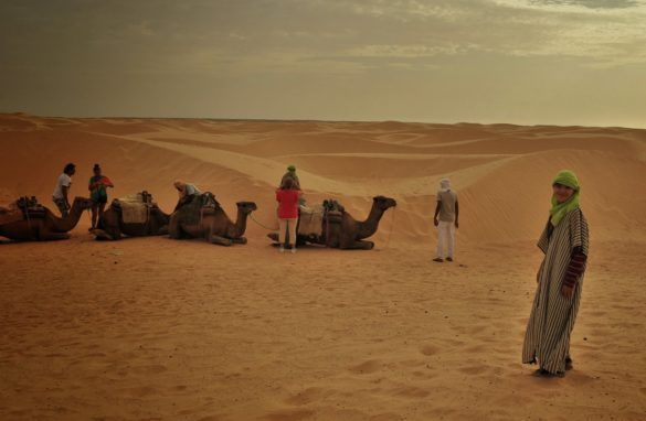 Малкият принц си потърси приятел в пустинята, но никой не му обърна внимание.