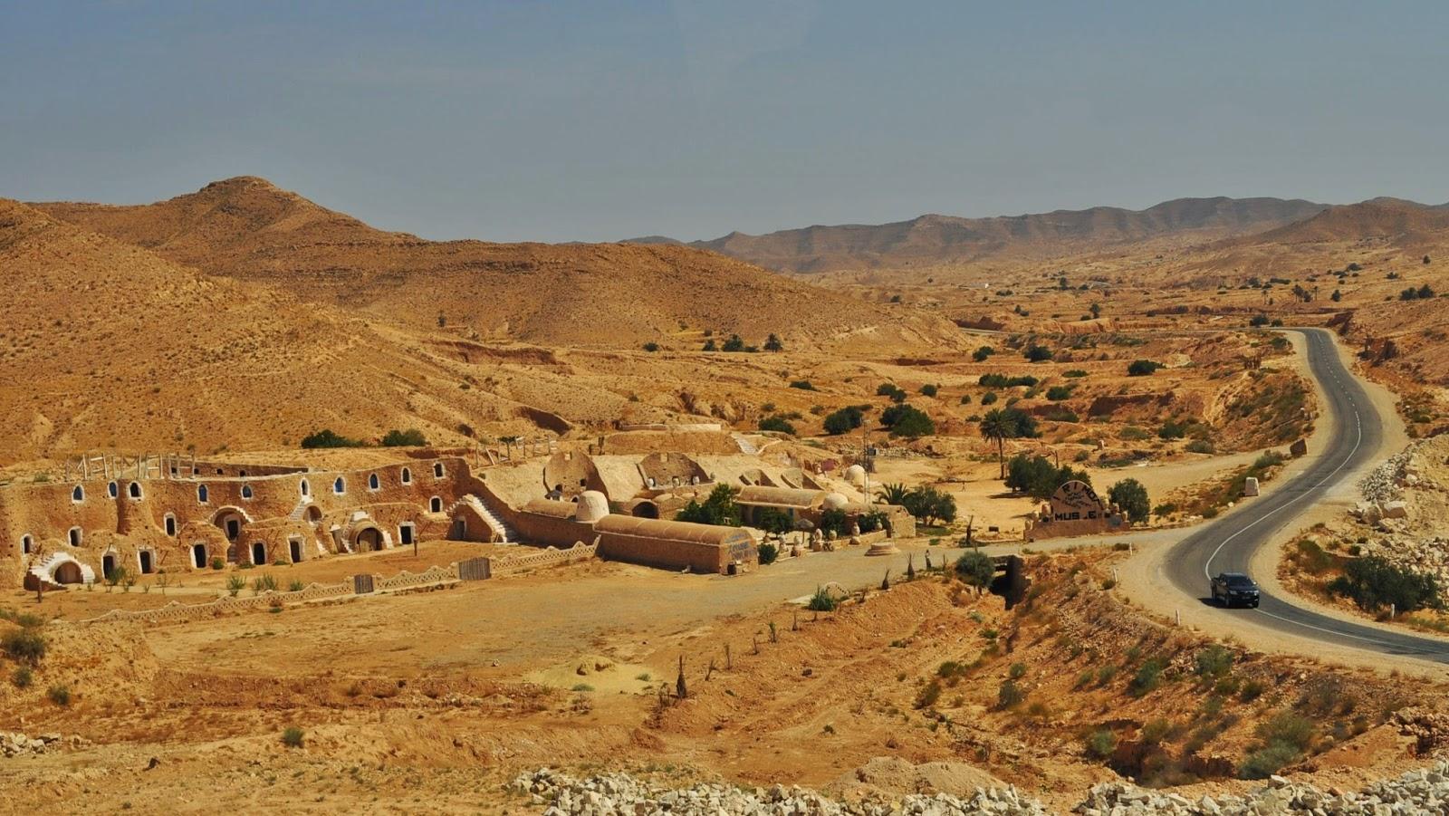 И насред пустошта се е пръкнал този 5-звезден хотел възстановка на берберска къща