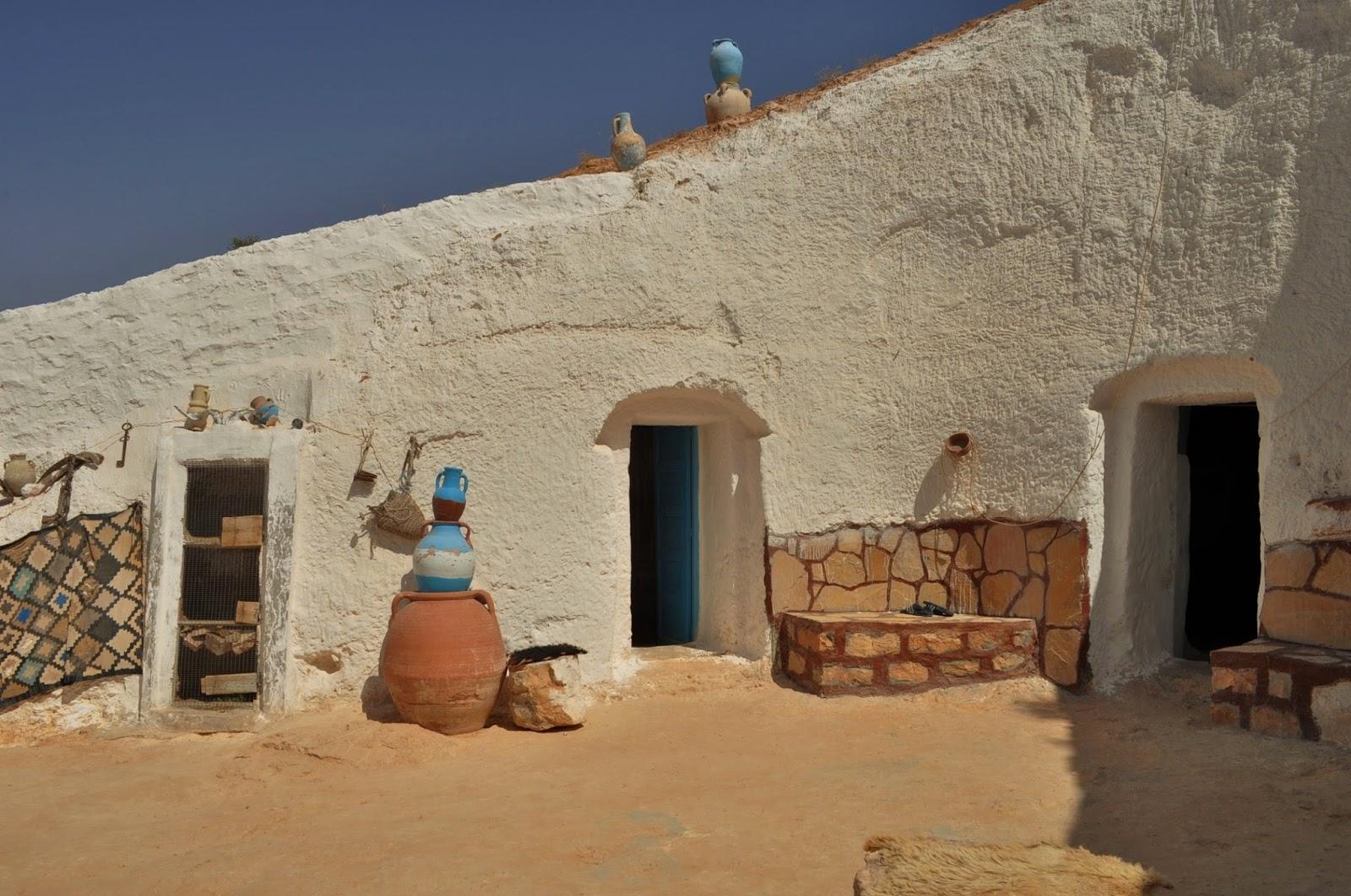 Това е Matmata  - едно от най-древните населени места в района