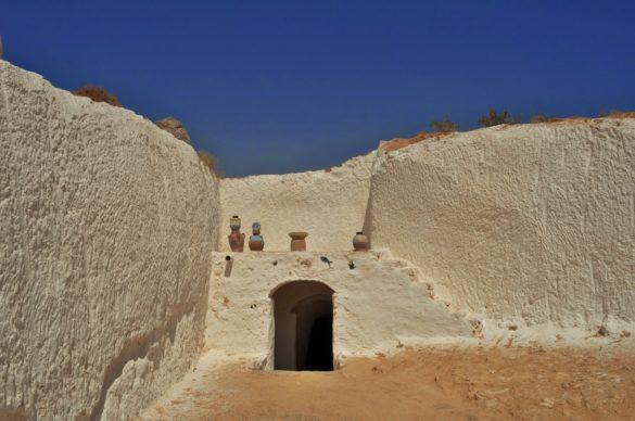 Берберите са най-древното население в Сахара. Някои от тях са със сини очи  и руси коси
