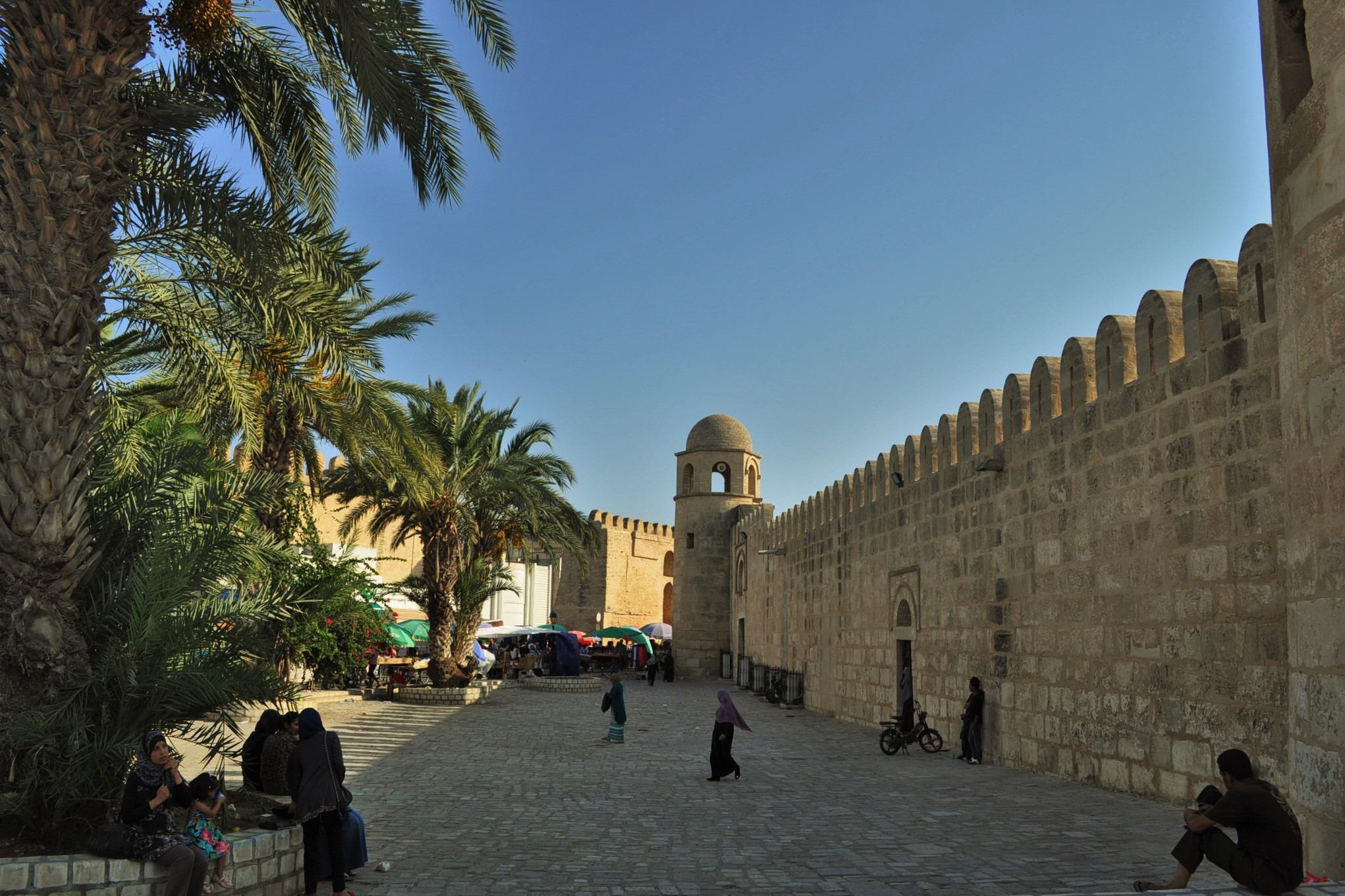 Повечето сгради тук са от средновековието. Тогава исляма се настанява по тези земи