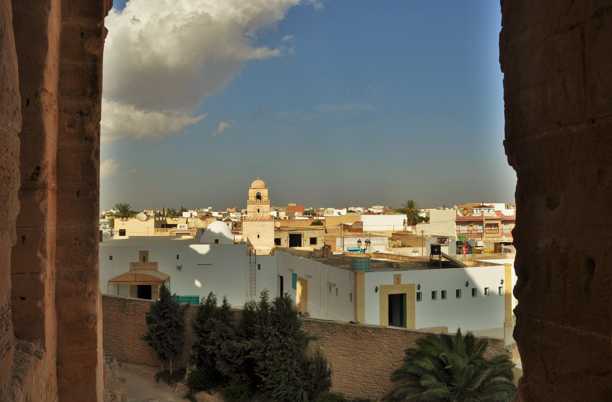 В района на градчето Ел Джем са открити най-внушителните останки от римската империя на територията на Африка.