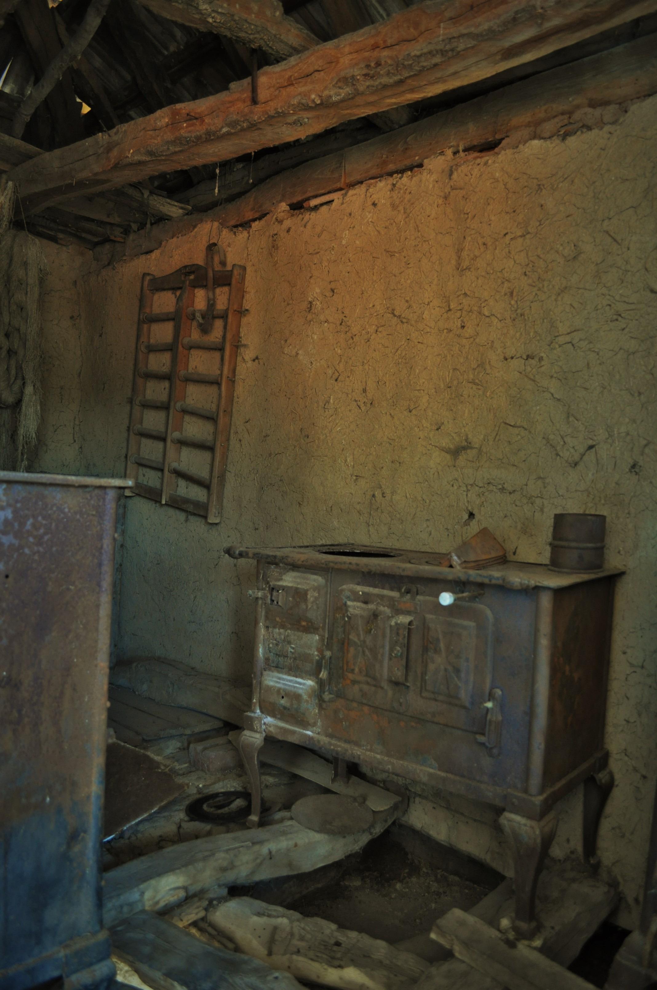 Превратна е историята на Разбоишкия манастира. Дълго време обителта пустеела. Но в средата на 19 век тук се заселили три сърцати и предприемчиви монахини. Те заварили стопанските постройки  разрушени, а безценните стенописи - унищожени и ги възстановили