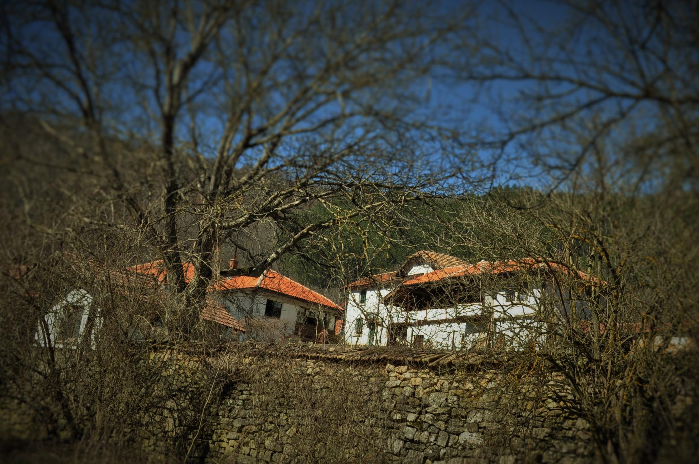 Точни сведения за възникването на църквата не са запазени. Но се знае ,че монашеството в този край има дълга история. Още от ранното средновековие скалните пещери в околността стават убежище на отшелници.