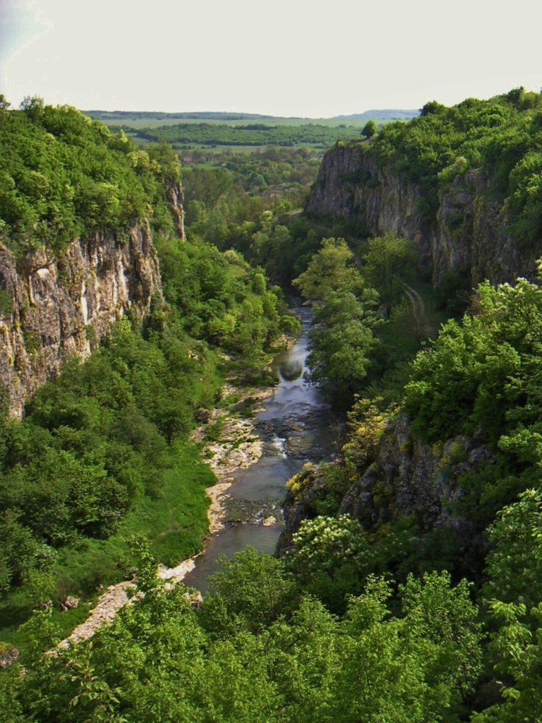 Еменският каньон река