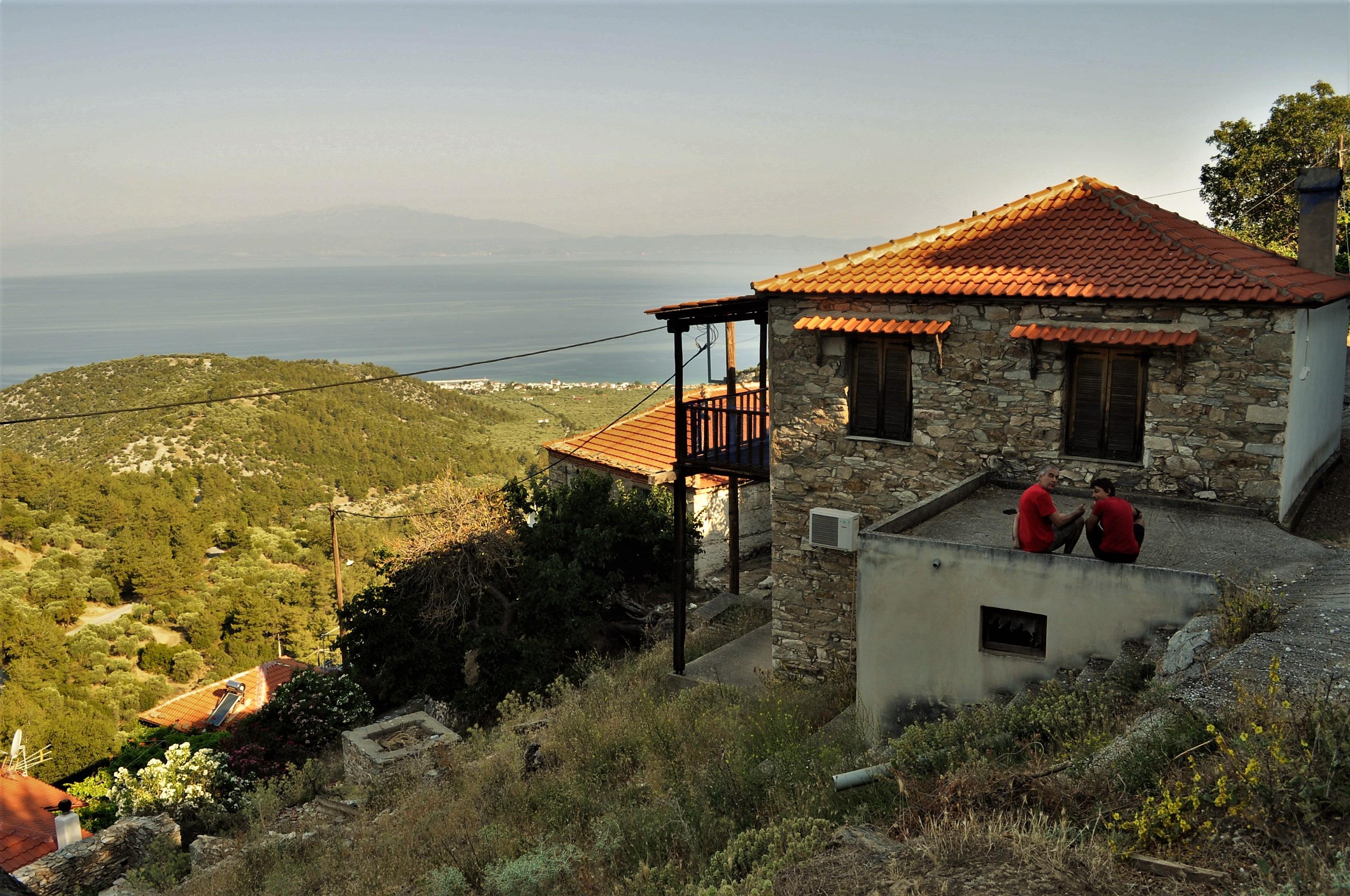 Днес повечето планински села си имат и пристанищна част, която се е превърнала в туристически курорт.