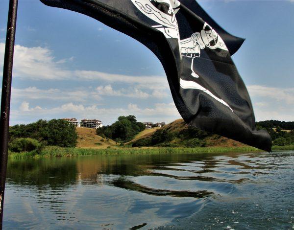 Хайде на разходка с лодка по Велека !