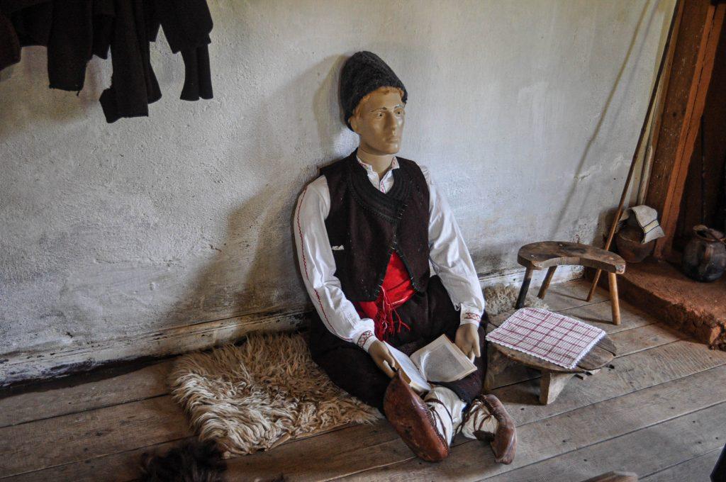 село Бръшлян килийно училище