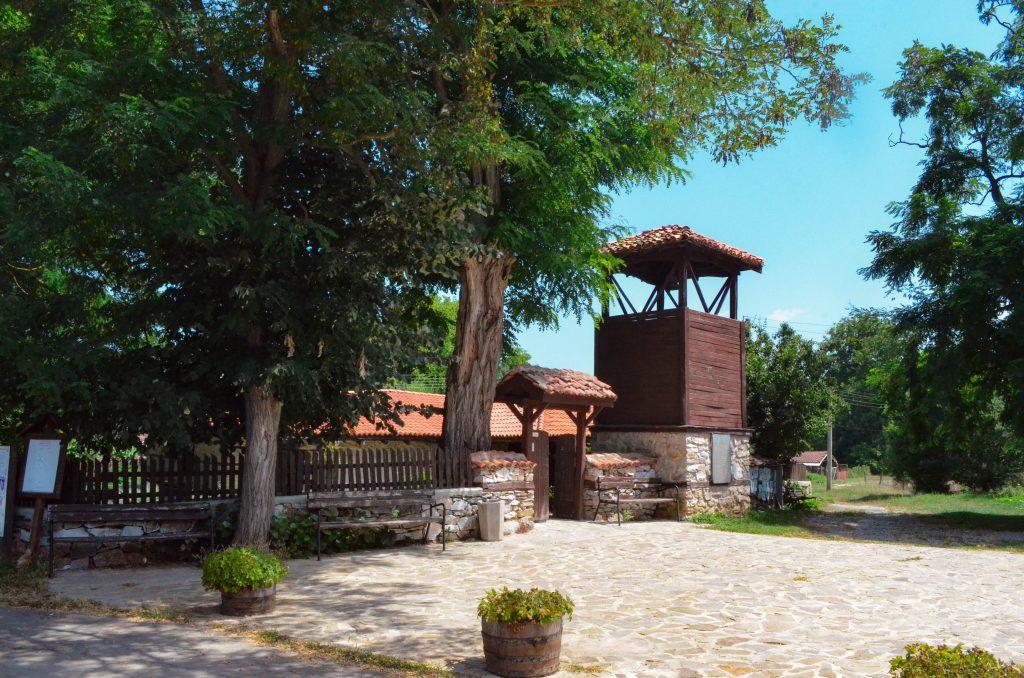 село Бръшлян църквата