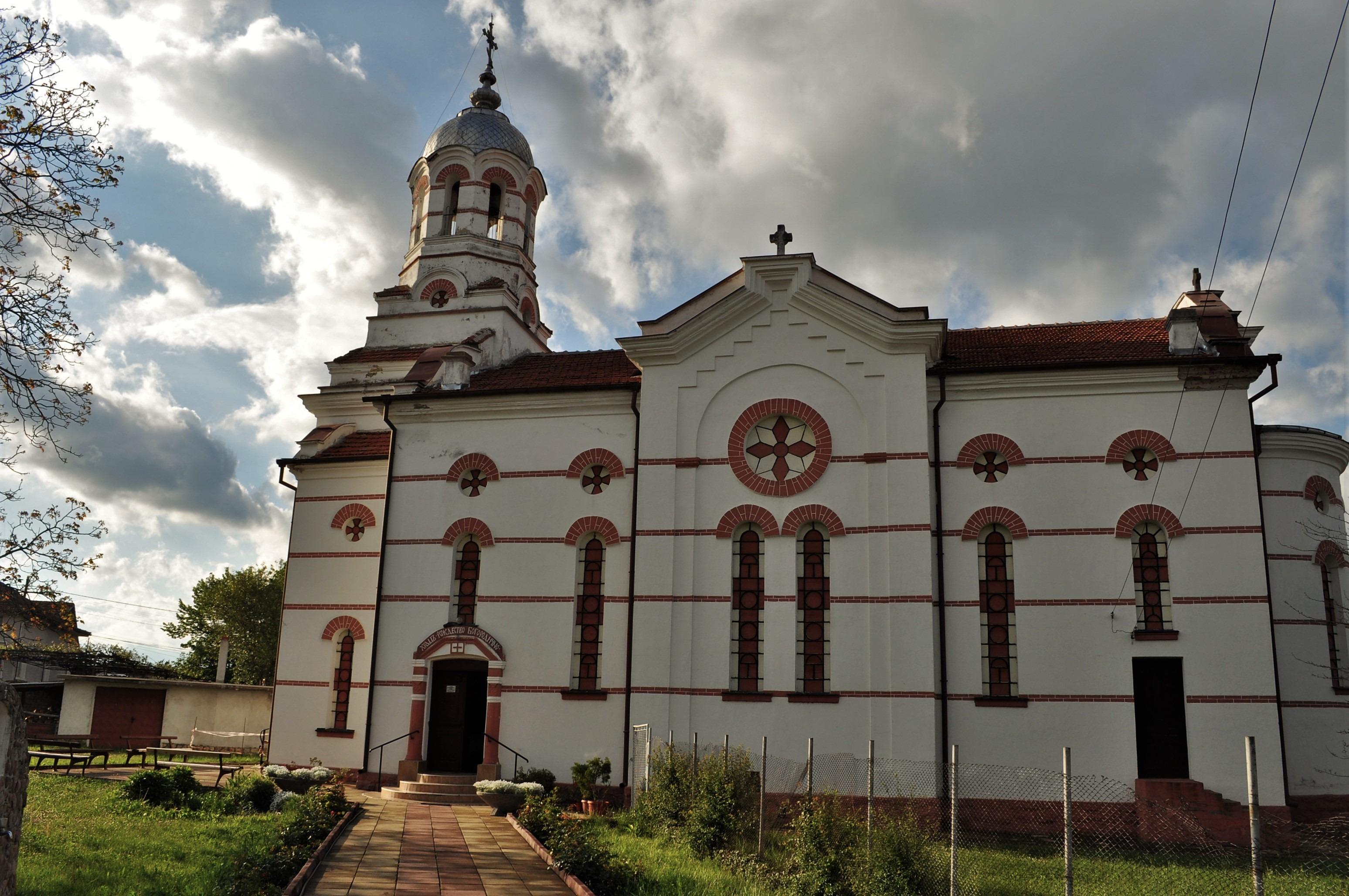 Храмът  «Рождество Богородично» е построен веднага след основаване на селището през 1879г.