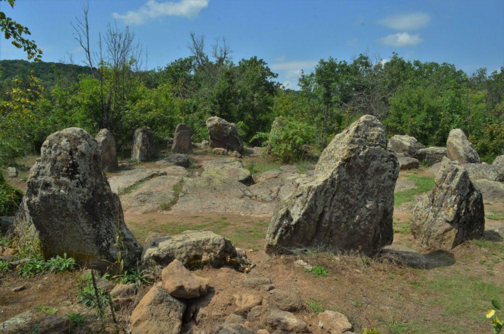 Мегалити -Кромлехът село Долни Главнак