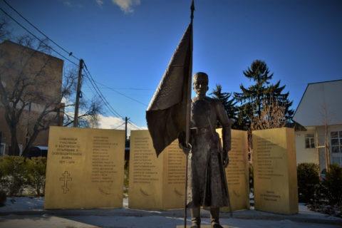 Паметник на опълченците участвали в сраженията на Руско-Турската война.