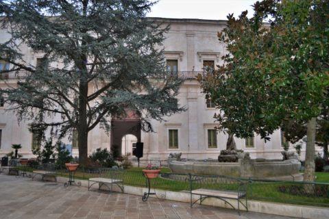 Херцогският дворец в Мартина Франка