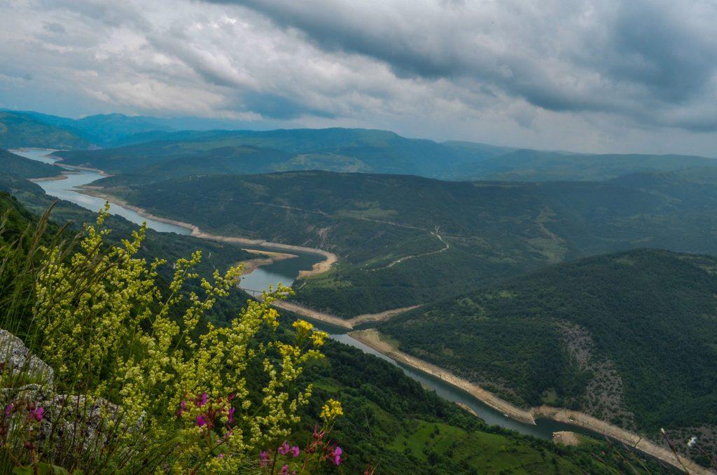 Панорама към Завойското езеро