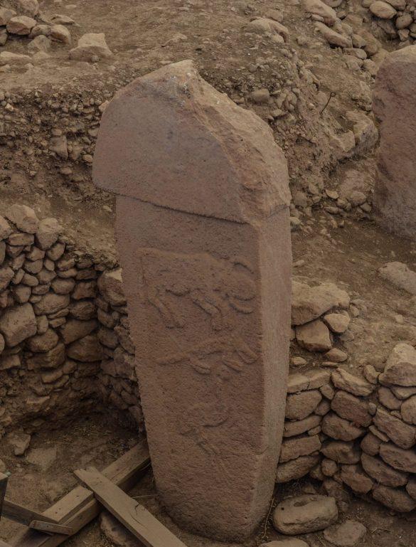 Според някои учени храмът е дело на високо развита човешка цивилизация, която е предхождала нашата