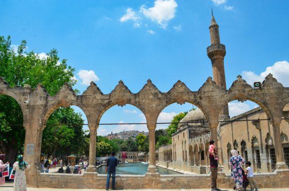 Шанлъурфа е бил владение на - шумери, вавилонци, хети, арменци, асирийци, перси, македонци, римляни, византийци и кръстоносци.