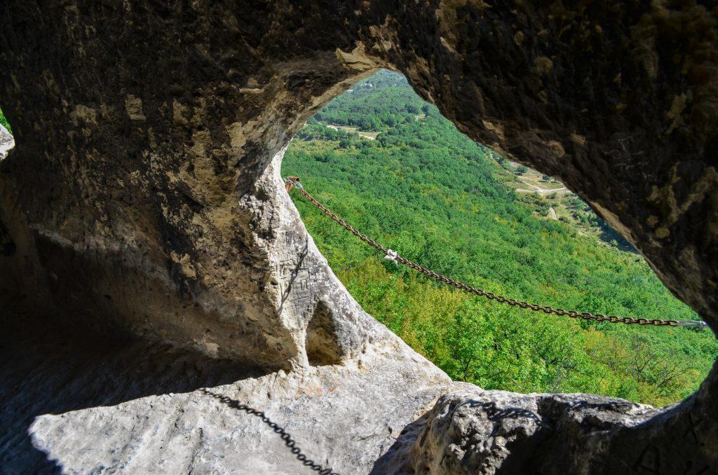 Ханкрумовския скален манастир отвор