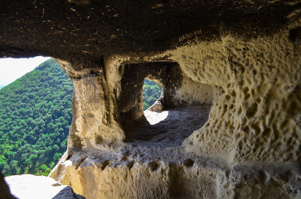 Ханкрумовския скален манастир