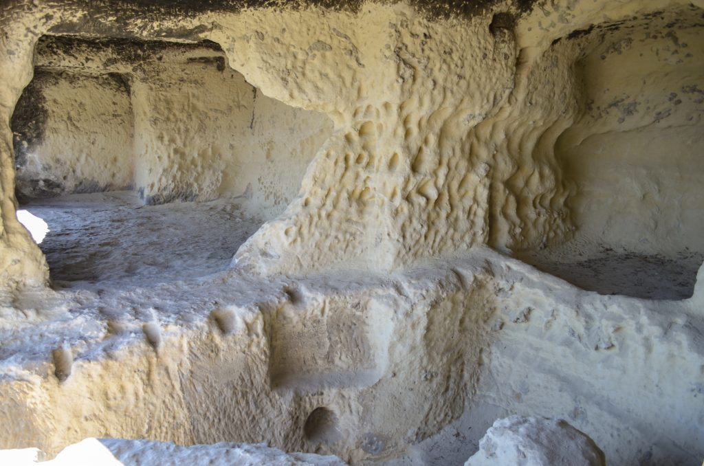 Ханкрумовския скален манастир пещера