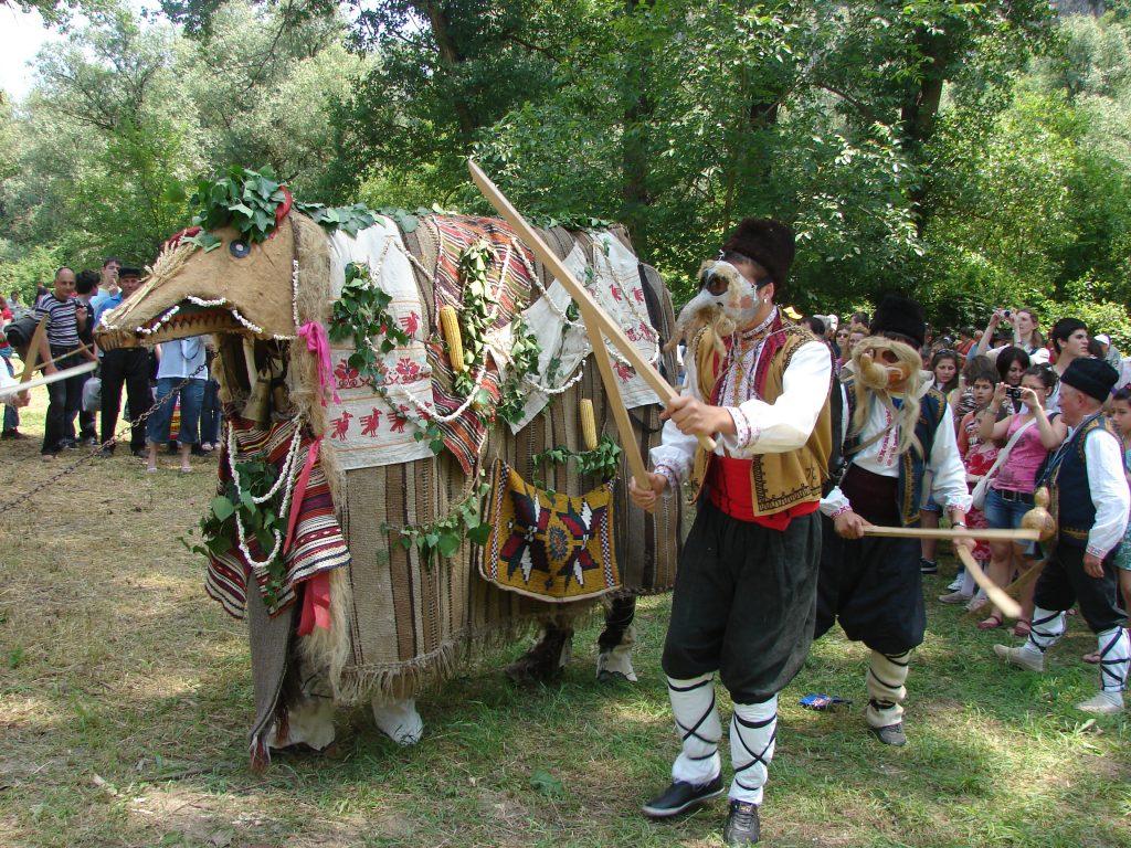 La commune d'Ivanovo folklore