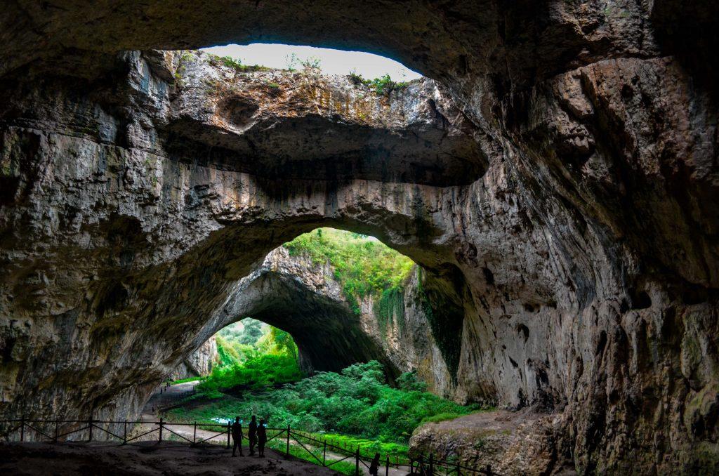 Български пещери  Деветашката пещера