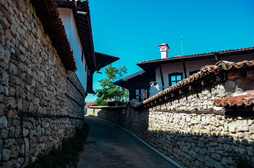 Около Велико Търново село Арбанаси