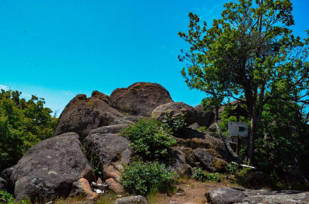 Люляковото светилище в Сърнена Средна гора