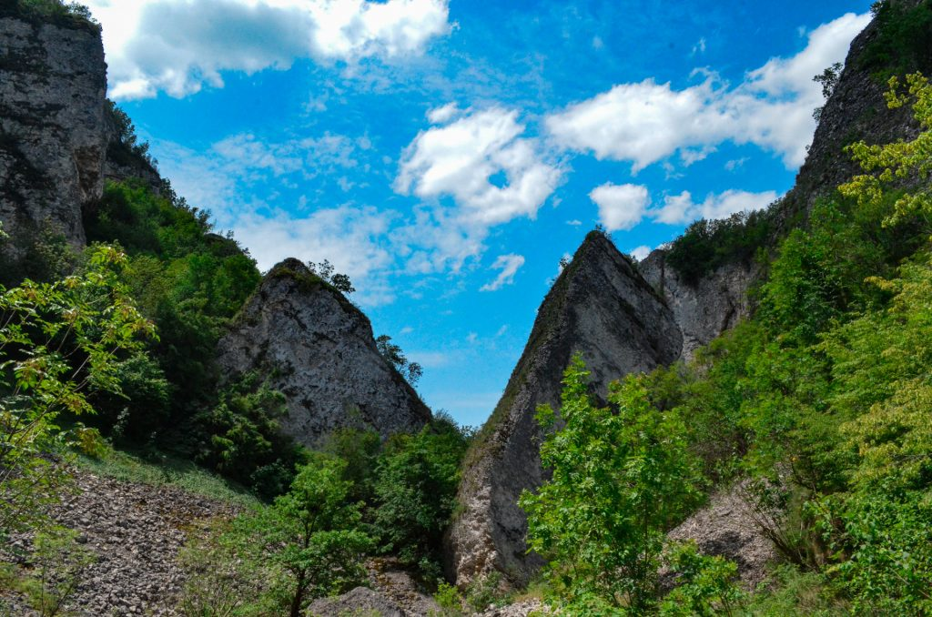Пропадалото край Реселец каменни образувания