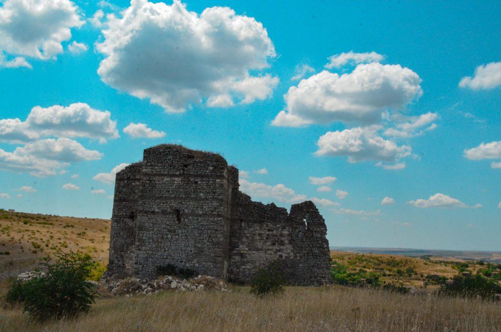 Букелон и скалните църкви край Маточина и Михалич 12