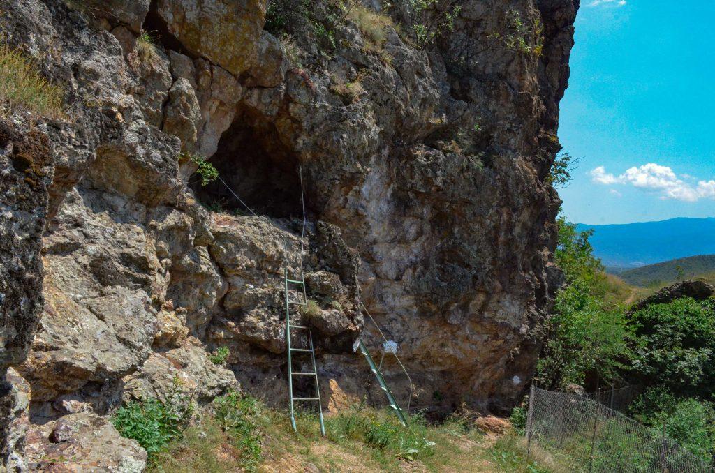 """Монашеска килия на скалния манастир """"Свети Пантелеймон"""""""