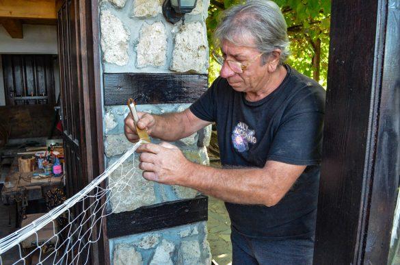 Румен Тросков - последният майстор на мрежи в града